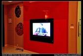 汽車旅館:20100705台南假日汽車旅館-香奈爾商務四人房電視牆