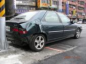 四輪傳承:20081120後面被Kiss的車車1