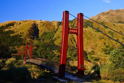冷水坑菁山吊橋晨景 - 陽明山遊園景點