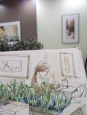 2015年8月 / 生活速寫。手繪日記:2015/ 370 淡彩速寫:獨自待坐小七家咖啡館的女生