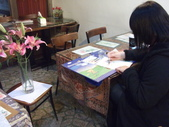 2015和2016年在畫室 與咖啡館或戶外寫生教學:2016.3/12 學生秋燕的側拍