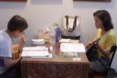 2013.2014烏克麗麗個別班學生:我的同學慧瑛和桂香