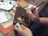 2015和2016年在畫室 與咖啡館或戶外寫生教學:【2015 / 教學客製化手工彩繪】秋燕專注描繪