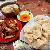 日照小館的特色:吃水餃送酸辣湯(限內用、外帶無)