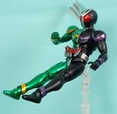 MG 1/8 假面騎士 CYCLONEJOKER (綠黑):1422657724.jpg