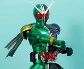 MG 1/8 假面騎士 CYCLONEJOKER (綠黑):1422657716.jpg