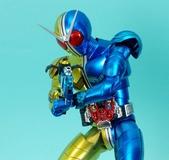 MG 1/8 假面騎士FIGURERISE(黃藍):1944705774.jpg