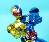 MG 1/8 假面騎士FIGURERISE(黃藍):1944705770.jpg