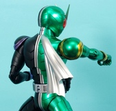 MG 1/8 假面騎士 CYCLONEJOKER (綠黑):1422657717.jpg