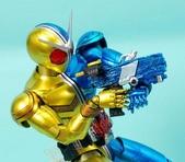 MG 1/8 假面騎士FIGURERISE(黃藍):1944705771.jpg