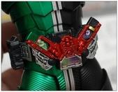 MG 1/8 假面騎士 CYCLONEJOKER (綠黑):1422642125.jpg