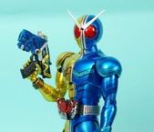MG 1/8 假面騎士FIGURERISE(黃藍):1944705748.jpg