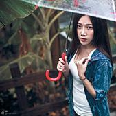   雨 。 愁   —  Chan Miao Wu :