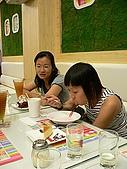++同學聚餐++:~小瑪吃的很專心~
