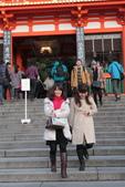 日本関西地方への旅行二回目:八坂神社の前に撮った日本の若い女性