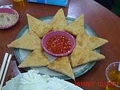 99. 美食日記:99.03.07 陳氏家聚P1100633 蝦味超重的蝦餅.jpg