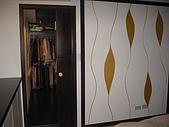 我們的新家:臥房裏的更衣室