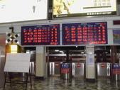 台鐵相關相簿:凌晨5點06分的花蓮站剪票口列車狀態LED顯示幕