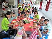 2010小腳ㄚ坪林有機營第二梯:吃飯前先來張YA.JPG
