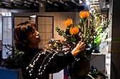 2011年3月18日於花蓮縣文化中心舉行會員聯展:LIU_0746中華花藝推廣協會花展創作中2.jpg