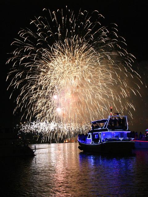 1010 台北‧淡水河上看煙火:IMG_7864a.jpg