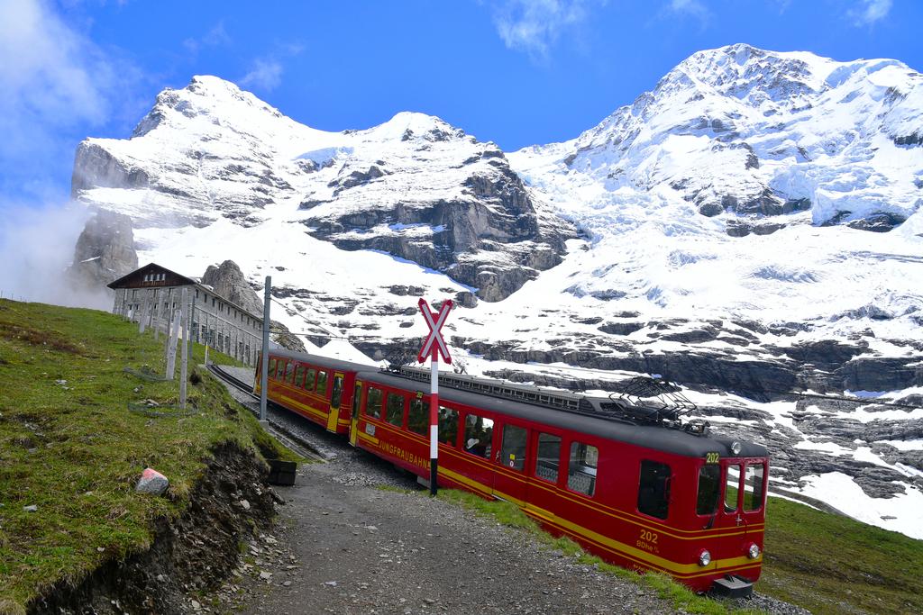 瑞士14日遊:train22_r.jpg