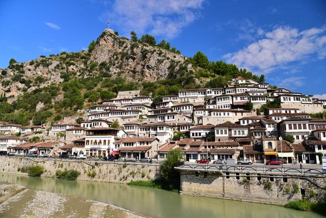 Berat6.JPG - 巴爾幹半島的小國小城