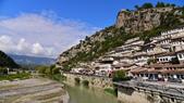 巴爾幹半島的小國小城:Berat_P3.jpg