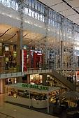 2008-02設計.曼谷:mall裡都是充滿設計感的裝潢..