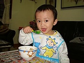 肥ㄗㄗ(2歲):吃飯飯練習-2