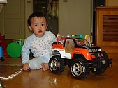 肥ㄗㄗ(2歲):最愛舅舅送的大車車