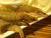 國慶日也要來慶祝一下之鍋大爺聚餐:好肥好新鮮的蝦子~但是出來的好慢~吃不到幾隻...O.O