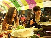 皇凱曉梅婚宴:看~吃的多趕~嘴巴都合不起來了~XDDD