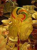 皇凱曉梅婚宴:還有小禮物可以拿~華麗棒棒糖...XD