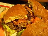 20110116 Gary Bee '69:八寶寶的漢堡~剖面圖..超有料的~^O^