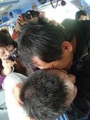 2011員工旅遊:志宏整個被壓下去~