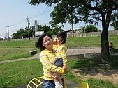 981018-內湖-八里-淡水-內湖:來跟媽咪合照一張