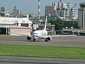 自己拍攝的飛機照片:01華航 B737-800 02
