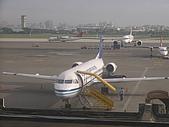 自己拍攝的飛機照片:02華信 福克100 02