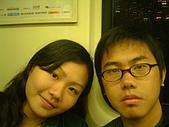 『亡命快劫』捷運地鐵相片投稿:[dolanmo1982] 和弟弟往淡水的捷運