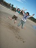 9812『跳』相簿主題投稿活動:[bird1975] 墾丁大灣的飛躍雙女組