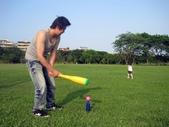 100年8月『型男老爸』相簿主題投稿活動:[cutebabe0916] 有時打棒球