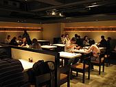 天讚烏龍麵-台北市松壽路61號B1 02-8788-3099:用餐區