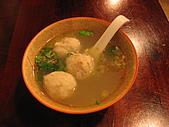 牛耳精緻麵館:風城第一魚丸湯$40料很扎實,內餡有加孛萁,好吃