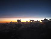 帛琉Day1.2牛奶湖-干貝城-水母湖-藍色珊瑚礁-軟珊瑚區:在飛機上拍下美麗的夕陽