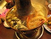 新店山東餃子館:大顆的蛤蜊,肥美的鮮蚵和新鮮的蝦子