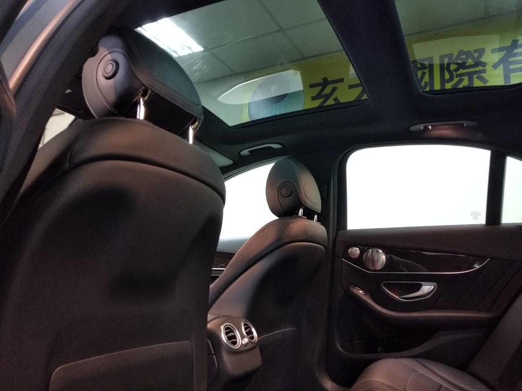 網誌用的圖片:BENZ C300全景天窗.jpg