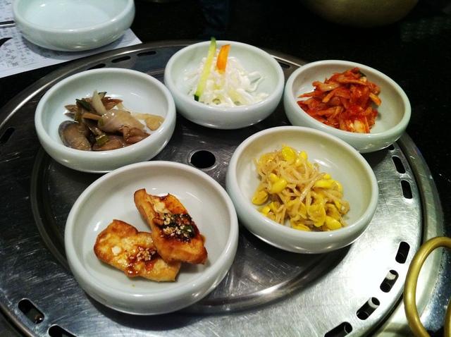 [問題] 請問這白色脆脆清爽的韓國小菜是?