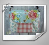 拼布-大包小包:水藍色-英國布防水斜背包2.jpg