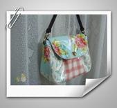 拼布-大包小包:水藍色-英國布防水斜背包1.jpg